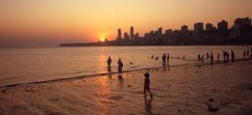 Cowpatty Beach  Top 5 Places in Mumbai