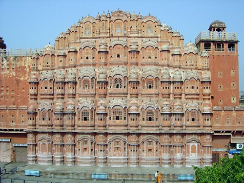 Hawa Mahal Well-known Monuments in India