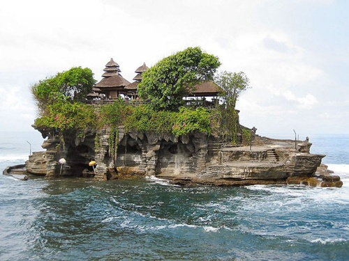 Tanah Lot Temple Gorgeous Places in Bali
