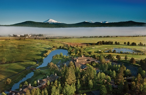 Best Winter Wedding Destinations  Bend, Oregon USA