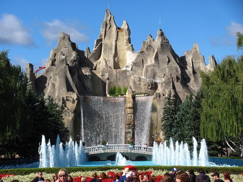 Places to Visit in toronto  Paramount Canada Wonderland