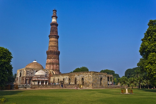 Qutab Minar Characteristic Attractions in Delhi