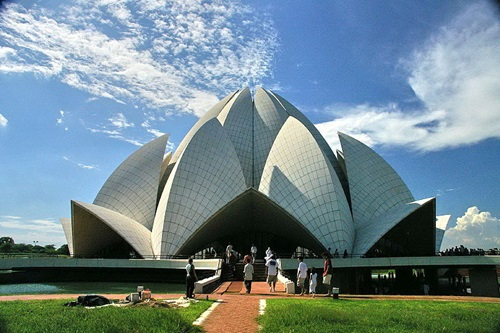 The Lotus Temple as a Modern Architectural Wonder