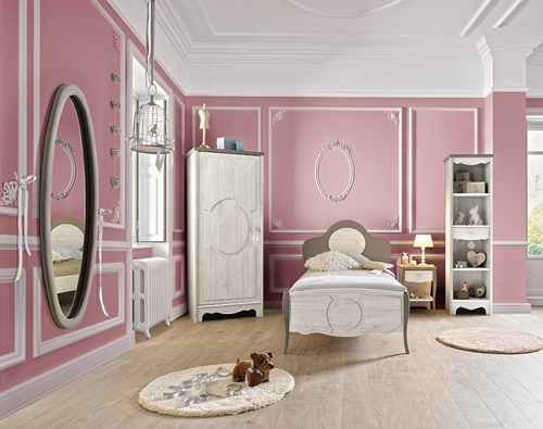 Expand Your Small Bedroom With The Magic of Colors