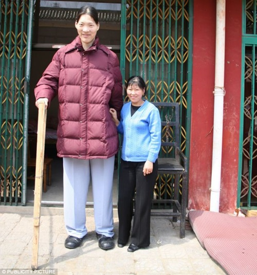 Top Ten Tallest Women That Ever Walked On Earth