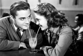 7 Things Make Men Don't Approach You And How To Fix It