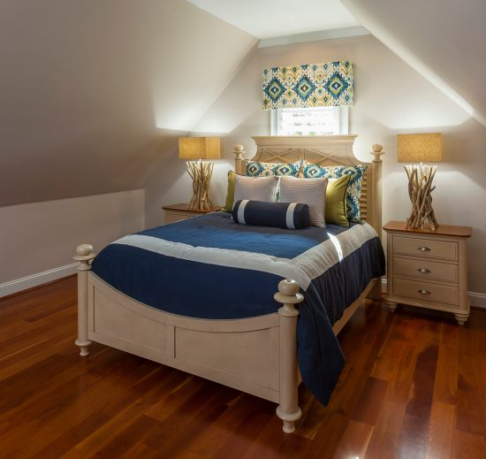 Creative tips to turn your dull small bedroom into a stunning retreat