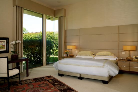 Experience the serenity and beauty of the Japanese bedroom style