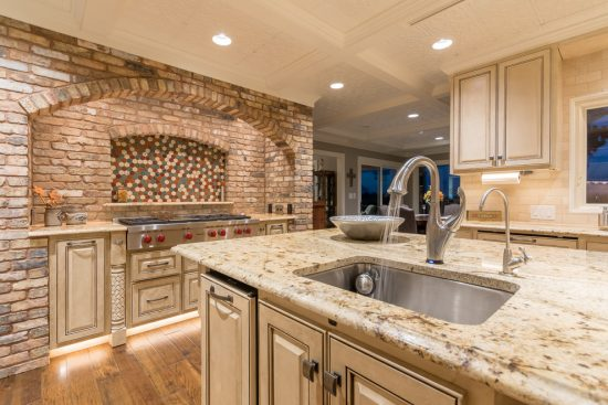 Get a unique and elegance kitchen look with latest 2016 faucet trendsGet a unique and elegance kitchen look with latest 2016 faucet trends
