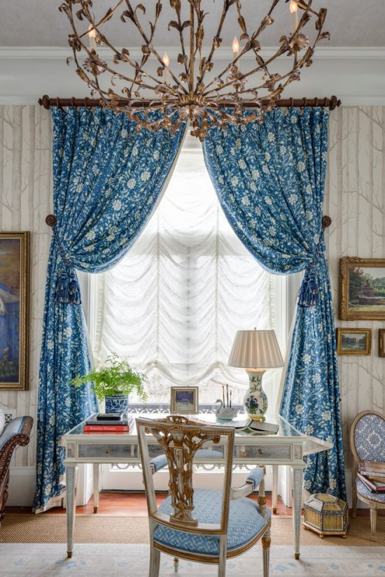 Hurry up and pick one of the trendiest curtains in 2016 to beautify your home