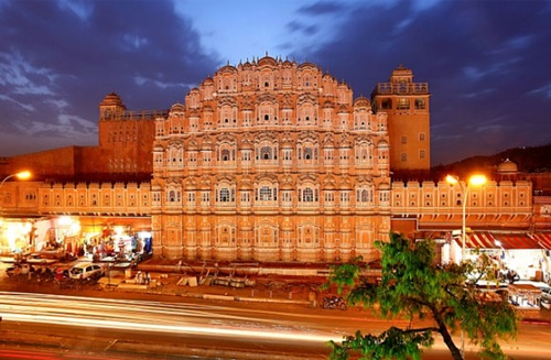 Photo of Well-known Monuments in India – Taj Mahal, Hawa Mahal and Red Fort of Agra