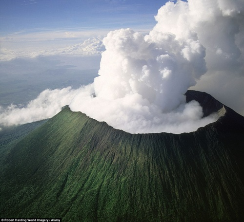 Mount Nyiragongo  The World's Most Notorious Volcanoes