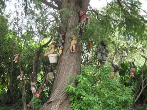 5 of the Scariest Places on Earth   . Mexican Doll Island, Mexico