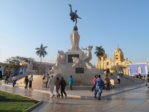 Five Wonders you must See When in Havana 2  Plaza de Armas