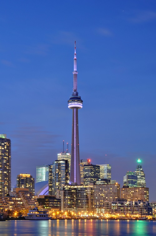 Places to Visit in toronto The CN Tower