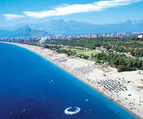 Turkey beaches  Konyaalti Beach, Antalya
