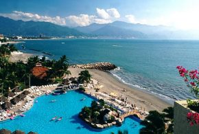 Vacation in Puerto Vallarta - Beaches, Sights, Attractions and Architecture