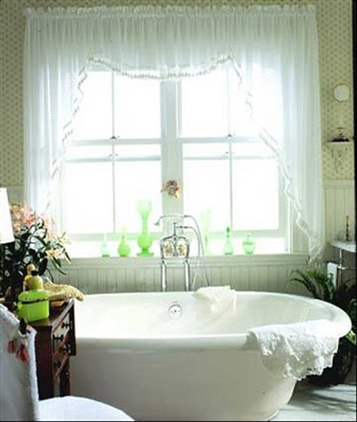 Wonderful Cottage Curtain Designs for Bathrooms