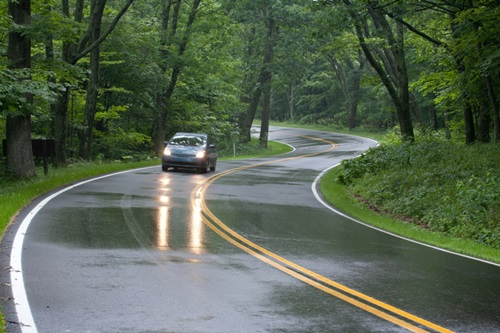 Essential Tips for Safe Driving in the Rainy Season