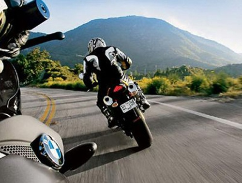 Tips for Riding Motorcycles on the Highways