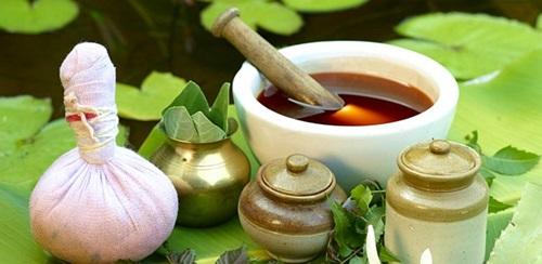 Naturopathy in Ayurveda Vs. Modern Medicine
