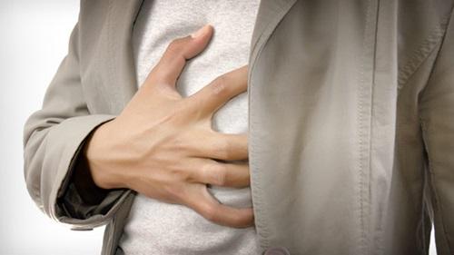 7 Warning Signs On Heart Attacks