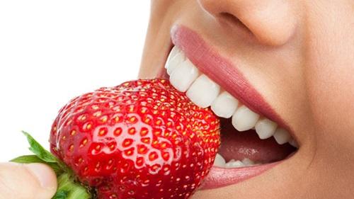 Top Ten Home Remedies To Whiten Teeth