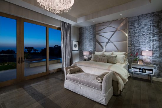 How to create a charming and comfortable bedroom with a modern Asian inspiration