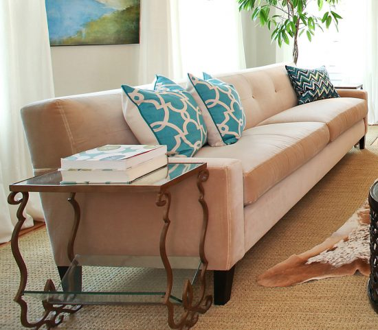 Modern sofa various types available to enhance your home beauty