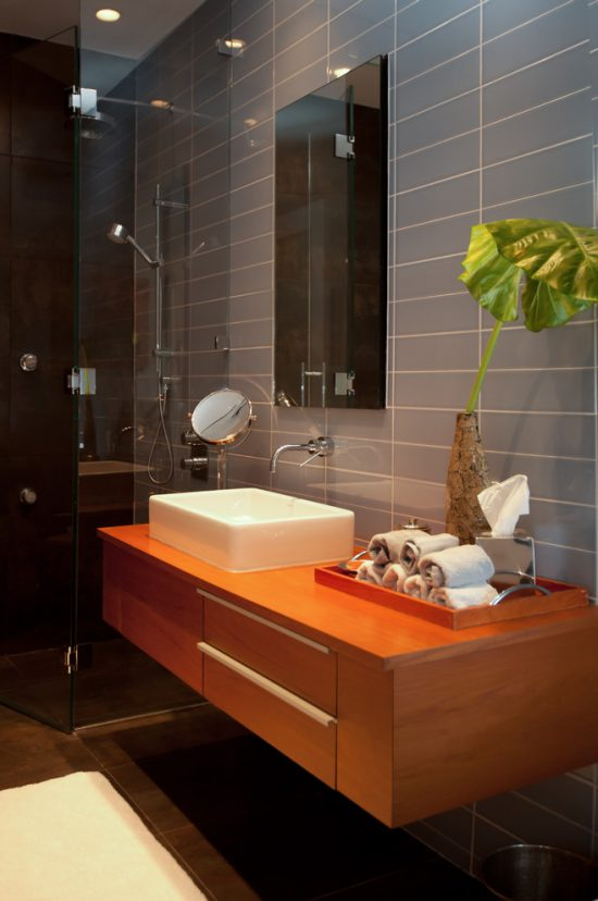 Useful Tips for Decorating a Bathroom on a Budget