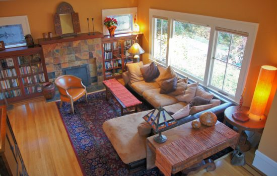 Useful tips to arrange your living room furniture and enjoy the warm atmosphere