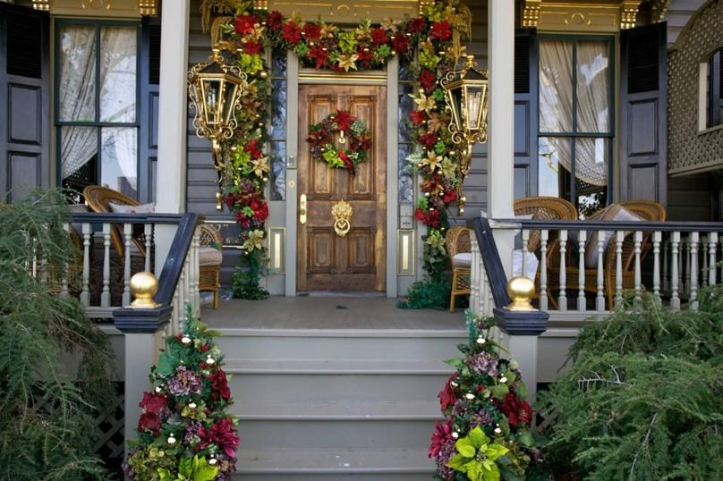 Photo of How to decorate your front porch on Christmas this year