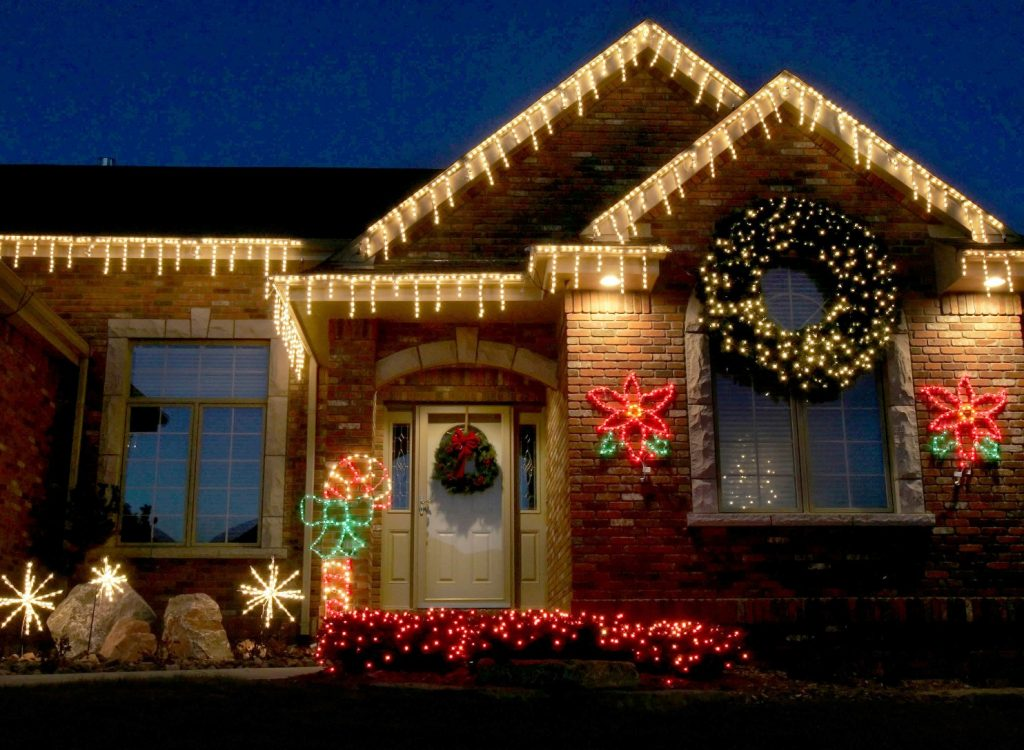 Photo of Outdoor Christmas Decorations: Interesting Ideas to Apply This Year
