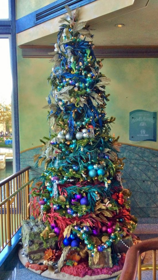 Under the Sea Christmas Décor on Budget for a Special Celebration This Year