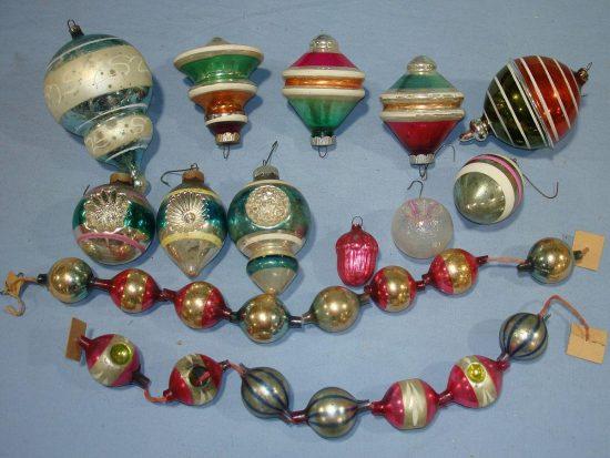 Vintage Christmas decorations; warm and nostalgic holiday's gathering