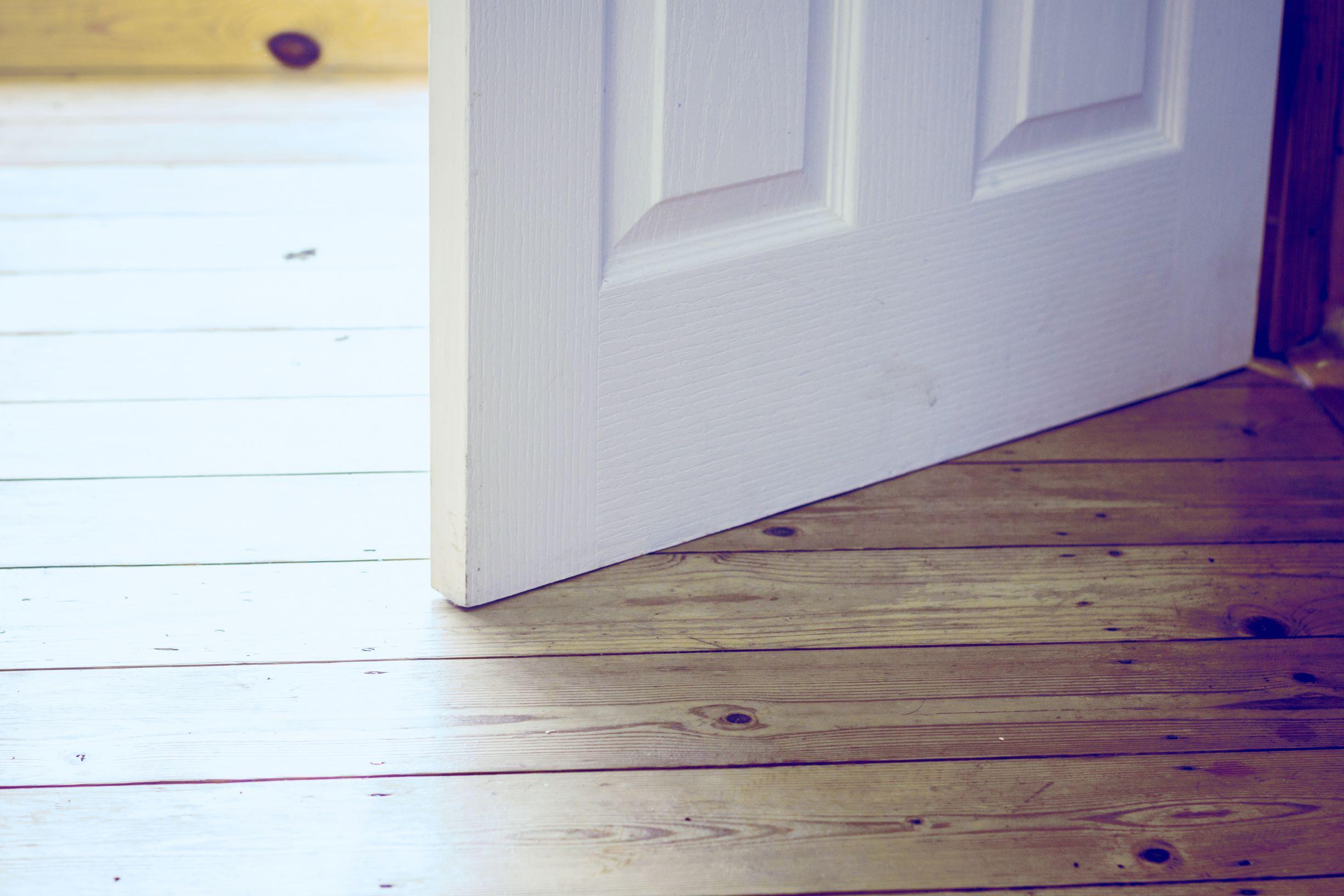 Sticking door